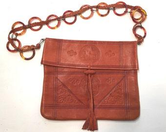 1970s boho impressed leather satchel with lucite chain strap - 1970s festival purse - 70s leather handbag - 1970s purse - vintage boho purse
