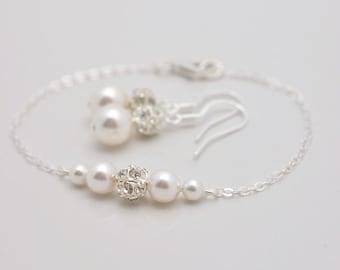 Pearl Bracelet and Earring Set, Pearl Bridal Set, Wedding Bracelet and Earrings, Bridesmaid Pearl Set, Bridesmaid Pearl Bracelet Set 0357
