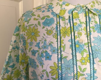 60's blue and green flowered short sleeve blouse