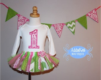 Add a Fabric Banner to Match Any Outfit