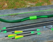 Recurve Bow and 9 Assorted Arrows with Green Arrow Theme for Cosplay