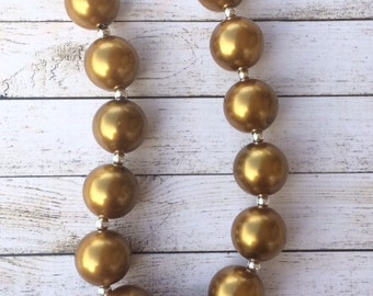 Large Gold chunky beaded necklacd