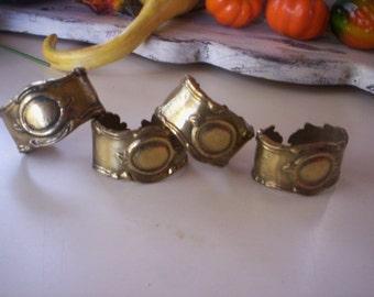 Brass napkin rings/Ornate brass napkin ring/4 napkin rings/Table decor/Napkin decoration/Holiday decor/Round Napkin holder/Fall table decor