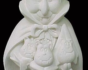 Ceramic Clay Magic Vampire /Dracula with pocket friends 15""
