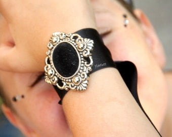 Black and Silver Victorian Wrist Corsage, Gothic Wrist Corsage, prom corsage, hand corsage, corsage bracelet, corsages for prom, homecoming