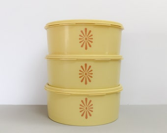 Tupperware cake canisters x 3 (sold separately)