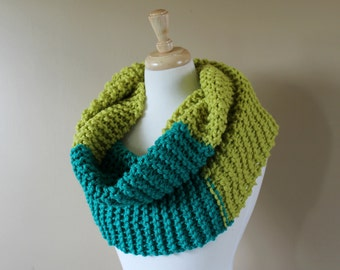Chunky Knit Cowl . Bright Color Block Knit Infinity Scarf . Gift for Her  {  Grass Green & Aqua Blue  }