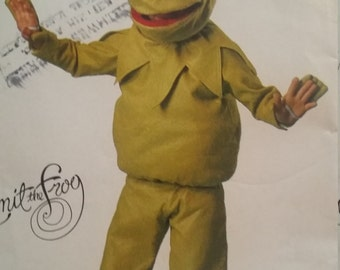 UNCUT and FF Pattern Pieces Vintage Vogue 8476 Sewing Pattern Kermit the Frog