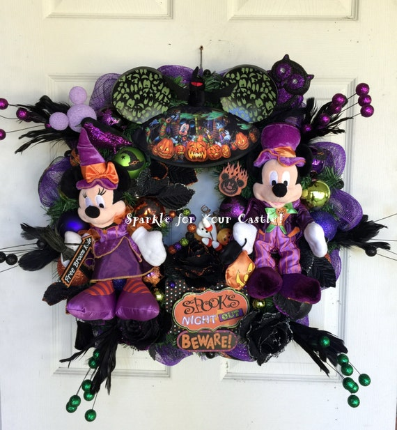 mickey and minnie mouse halloween wreath