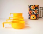 Vintage Measuring Cups, Plastic, Made in Australia by Decor Australia. Retro Measuring Cup Set.Yellow Set of 4, 1970s
