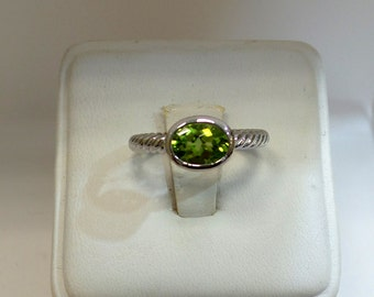 Sterling Silver 1.68 Genuine Peridot Solitaire Ring, Engagement, Wedding, Elegant, Peridot Ring