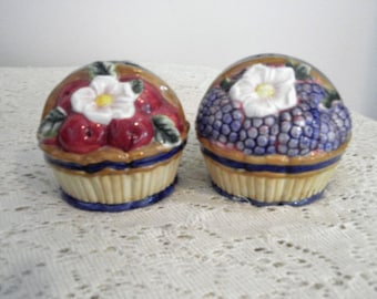 Vintage Salt and Pepper, Fitz and Floyd Salt and pepper,  Fruit basket salt and pepper, collectible S and P