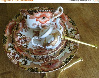 15% SALE Imari 3 tiered cake stand Centerpiece Wedding Mad Hatter Teaparty