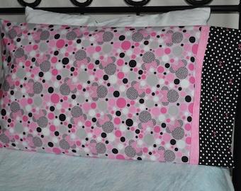 Handmade standard sz pillowcase Minnie Mouse Disneyland