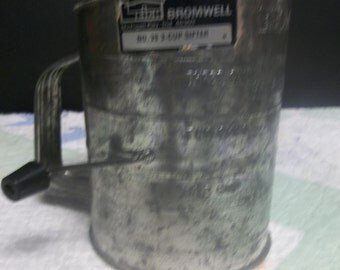 1/2 OFF!!!  Vintage Leigh Bromwell Flour Sifter, Michigan City, IN, 3 Cup Sifter No. 39, S