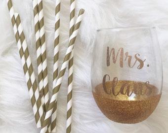 Gold + White Striped Paper Straws