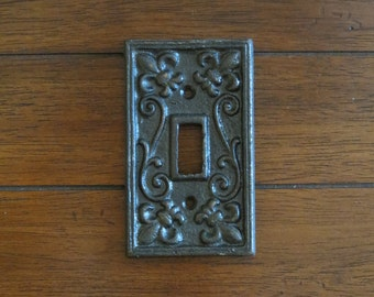 Oil Rubbed Bronze Light Switch Cover/Or Pick Your Color/Light Plate Cover/Cast Iron Switchplate/Shabby Chic Wall Decor/Fleur de lis Pattern