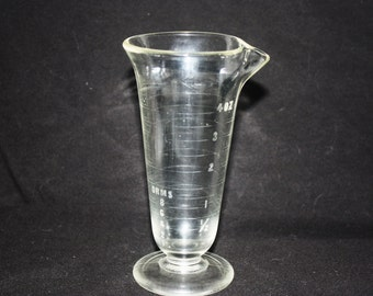 Vintage 1930s Footed Pharmacy Beaker with Pour Spout