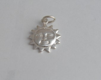 New .925 Sterling Silver Smiley Face Sun Pendant