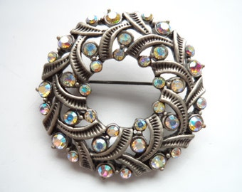 Vintage Unsigned Fabulous Silvertone/AB Stones Christmas Wreath Brooch/Pin