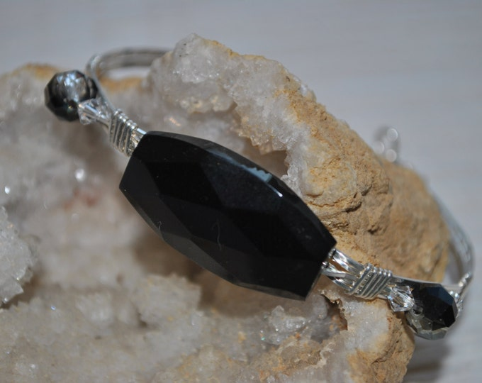 Sterling silver wire wrapped Black Onyx Stone Bracelet, stone and crystal bracelet, elegant