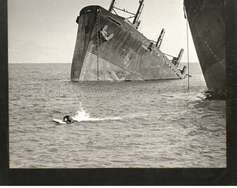 Ship wreck vintage art photo by Colodin