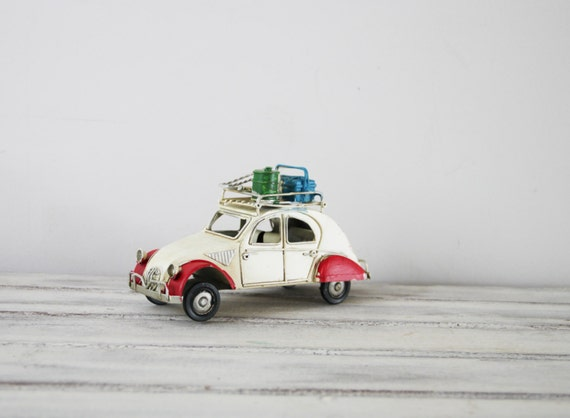 deux chevaux miniature de voiture vintage fran ais 2cv. Black Bedroom Furniture Sets. Home Design Ideas