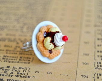 Vanilla ice cream waffle adjustable ring