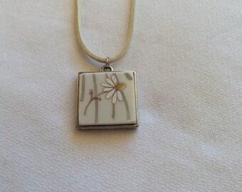 Daisy Delight - Broken China Jewelry