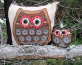 Owl Wool Pillow Applique - Hoot and her Baby - owl art pillow - handmade decorative pillow set - owl collection -- limited edition owl decor