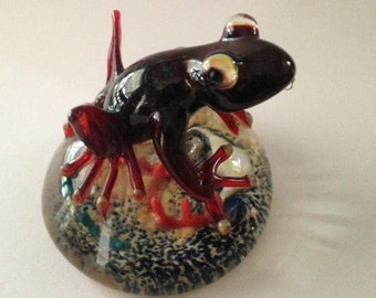Red glass frog paperweight
