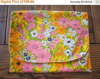 Sale Floral HIPPIE Cosmetic Hair/Makeup POUCH Travel Toiletry pouch Vintage TRAVEL foldable case