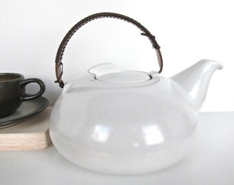 Vintage Modern Heath Ceramics Opaque White Teapot, Repaired Edith Heath California Pottery
