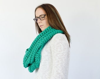 Giant chunky double wrap infinity scarf    The PAWNEE    shown in teal