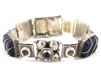Vintage solid silver, sterling silver 925 and Onyx Mexican bracelet. Free shipping worldwide!