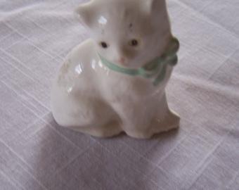White Kitty -Vintage  Ceramic