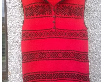 Long knitted sleeveless Hoodie,