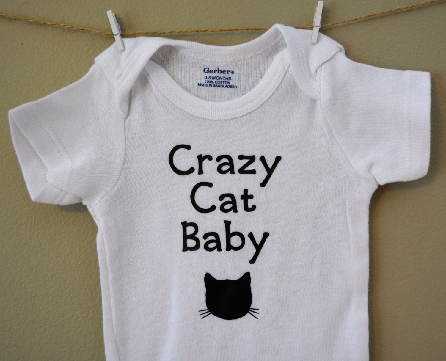 Dress your child in style with Cat baby clothes! From stunning baby onesies and shirts, choose from great styles or upload your own images. Get creating now!
