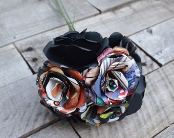 7 Paper Small Flowers Bouquet of Black and Comic