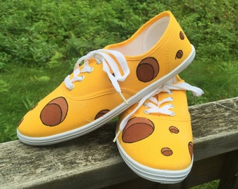 CHEESEHEAD Shoes! FREE personalizations. Green Bay, Wisconsin. Green Bay Shoes. Cheese Shoes