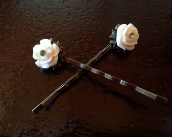 Green and White Rose Bobby Pin