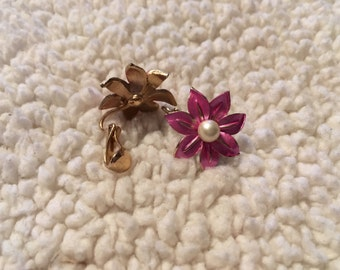 Vintage gold tone pink flower Kramer clip-on earrings