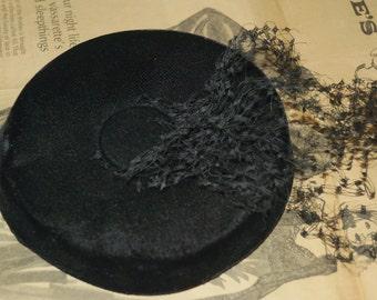 Vintage Velvet Fashion Pill Box Hat