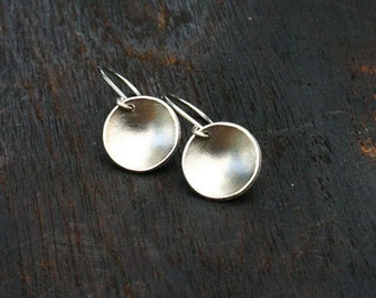 White gold earrings. 14k white gold earrings Solid gold disc earrings. Concave, round, hammered, handmade, unique, modern, jewelry.