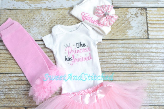 Newborn Princess Tutu Outfit - Light Pink and Gray - the Princess has arrived!  Great for coming home from the hospital!  Baby Shower gift!