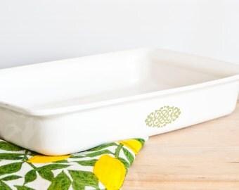 CLEARANCE: Vintage Promotional Corning Ware Green Medallion Roaster Lasagna Pan Casserole, Corningware Brownie Baking Dish, P-332