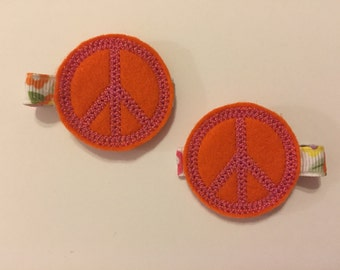 Peace Sign Felt Clippie