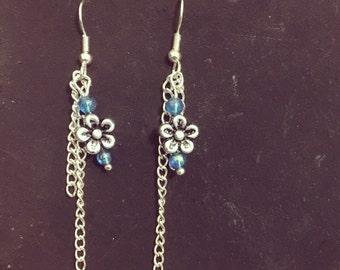 Simple and sweet flowery earrings