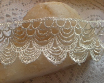 Beautiful White Tassel Venice Lace Trim