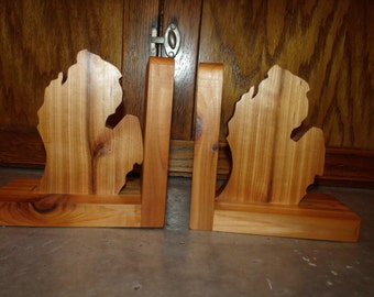 Wooden bookends, State shape bookends, Michigan (lower peninsula) Custom wooden bookends